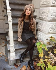 Ideas for vintage style outfits winter tights Mode Outfits, Fashion Outfits, Womens Fashion, Sporty Fashion, Ski Fashion, Fall Fashion Trends, Ladies Fashion, Urban Fashion, Fashion Fashion