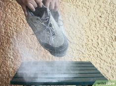 How to Remove the Smell of Cat Urine from Running Shoes. Kitty got it really wrong when he decided to pee on your favourite running shoes. Remove Cat Urine Smell, Cat Urine Smells, Remove Stains, Cleaning Dog Pee, Cleaning Tips, Home Design, Dog Pee Smell, Pee Stains, Cat Urine Remover