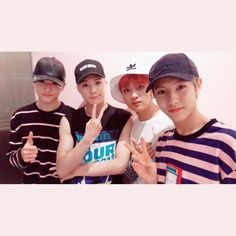 Another pic that slayed my fave author he took it after his favourite hyung Jaehyun \(^▽^@)ノ Taeyong, U Mark, Nct Dream Jaemin, Wattpad, Jeno Nct, Sm Rookies, Kpop, Ji Sung, Viera