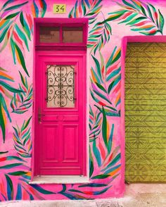 """fifi interiors: """"😍😍😍 So much love for this bright, bold & beautiful front door! Neon pink with fabulous foliage mural art! 💗🌿 Super fans of anything quirky…"""" Types Of Colours, Unique Doors, Bohemian Interior, Painted Doors, Mural Art, Art Décor, Beautiful Artwork, Decoration, House Colors"""