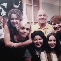 Ahhhhh!!!!! Laura is On Ross's Back and that is gibing me so so so many feels!!! And i guess the coach on one of the first episodes !!!!!