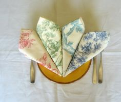 Toiles de Jouy Cloth Napkins set of 4 by yellowbluebag on Etsy, $16.99