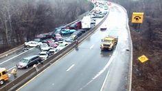 Opady marznącego deszczu paraliżują USA. Doszło do karambolu z udziałem kilkunastu aut. http://tvnmeteo.tvn24.pl/informacje-pogoda/swiat,27/opady-marznacego-deszczu-paralizuja-usa-doszlo-do-karambolu-z-udzialem-kilkunastu-aut,155427,1,0.html