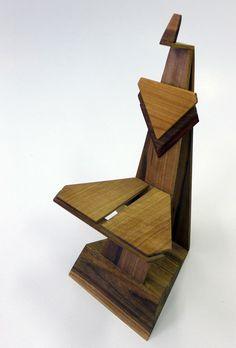 Stolička - koncepčná štúdia, orechové drevo