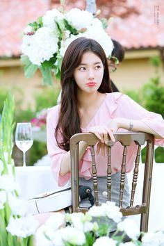 When You Were Sleeping / Wallpaper - Lockscreens / Lee Jong Suk / Bae Suzy / Jung Hae In Korean Actresses, Korean Actors, Korean Dramas, Korean Beauty, Asian Beauty, Miss A Suzy, Rich Boy, While You Were Sleeping, Bae Suzy