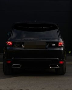"11.1 ezer kedvelés, 37 hozzászólás – Range Rover World (@rangerover.world) Instagram-hozzászólása: ""The perfect welcome ✨ taillights by @glohh 👆  . #rangeroverworld #rangeroversociety #rangeroverusa…"" Range Rover, Vehicles, Car, Instagram, Automobile, Range Rovers, Rolling Stock, Cars, Cars"