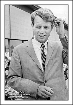 Robert F. Kennedy, BOBBY AT EASE, Clyde Keller RFK photo