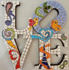 Ficou lindo, e fiz para mim e o Guto, ficará entre nossas letras de mosa. Mirror Mosaic, Mosaic Art, Mosaic Glass, Mosaic Tiles, Glass Art, Tile Crafts, Mosaic Crafts, Mosaic Projects, Art Projects