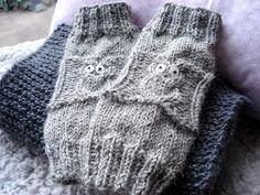 Aus der grauen Strickerei der letzten Woche hat es einen simplen Loop gegeben und dann hab ich hier  einen Pullover gesehen, der mir die...