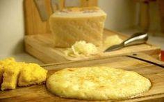 Frico friulano - Oggi vi proponiamo la ricetta originale del frico friulano, un delizioso secondo piatto a base di formaggio, patate e cipolle. Se preferite potete tagliare il frico a fette e servirlo come antipasto. In alternativa, se accompagnato con la polenta, il frico diventa un piatto unico delizioso! La preparazione della ricetta è anche molto semplice!