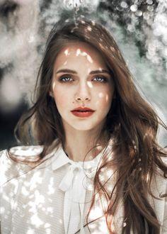 Photography: Agata Serge  Mua: Anna Sokolowska  Model: Sofia  Lens: Palecwnosie Bokeh Factory