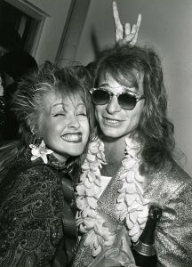 Cindy Lauper and David Lee Roth partying in Hollywood in Alex Van Halen, Eddie Van Halen, Classic Blues, Classic Rock, David Lee Roth, Mtv Video Music Award, Music Awards, Band Pictures, Cyndi Lauper