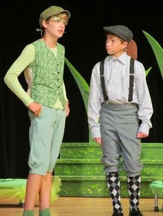 BullFrog- shades of green to include green vest, large green glasses and funky green socks Honk The Musical, Pta Programs, James And Giant Peach, Green Socks, Green Vest, Music Theater, Theatre Costumes, Frog And Toad, Yellow Submarine