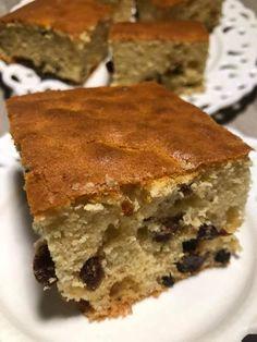 Πεντανόστιμο κέικ με σταφίδες στα γρήγορα - Μία οικονομική συνταγή που παρασκευάζεται πανεύκολα Tiramisu, Food And Drink, Pie, Cupcakes, Sweets, Ethnic Recipes, Desserts, Pastries, Salads