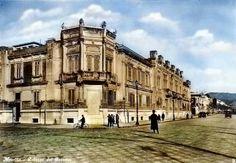 La Regia Prefettura in Via Garibaldi a Messina in una cartolina degli anni '30