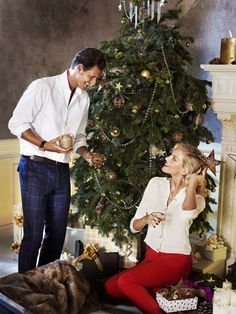 Absolutely beautiful Christmas :) (With Anja Rubik)     http://www.apart.pl/pl/wydarzenia,lista_2012_561
