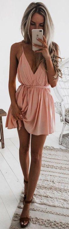 d31495f327b7 14 nejlepších obrázků z nástěnky Plesové šaty