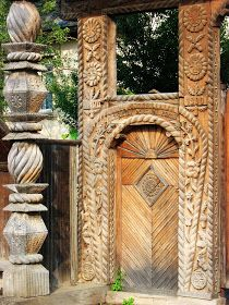 Vernacular Architecture, Traditional House, Stargate, Woodworking, Rock, Retro, Beautiful, Crafts, Painting