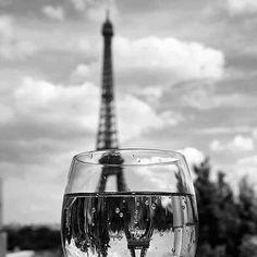 café apostrophe, Eiffel Tower