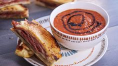 Tomato Balsamic Soup - The soup and sandwich combo is always a winner. Instead of a classic tomato soup, switch it up for this version with a little extra zing. Fall Recipes, Sweet Recipes, Rachel Ray Recipes, Tomato Soup Recipes, Hot Soup, Soup And Sandwich, Soup And Salad, Soups And Stews, Love Food