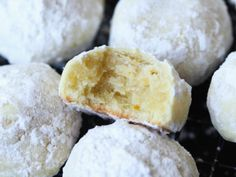 Orange Cooler Cookies are a tender melt away cookie recipe with an orange twist! Coated in powdered sugar these cookies melt in your mouth! Easy Pound Cake, Pound Cake Recipes, Cookie Recipes, Fudge Recipes, Orange Glaze Recipes, Baked Orange Chicken, Salted Caramel Bars, Rich Cake, Buttery Cookies