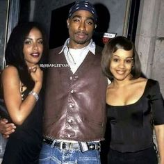 Tupac with Aaliyah and Left Eye. Hip hop and R&B Icons 90s Hip Hop, Hip Hop And R&b, Hip Hop Rap, 2pac, Tupac Shakur, Black Love, Black Is Beautiful, Beautiful People, Black Art