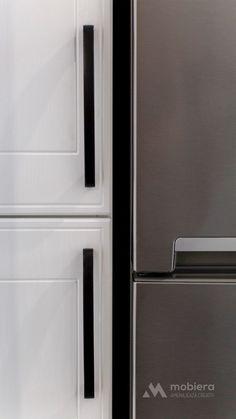 Mobila bucatarie vintage - Mobila la comanda MOBIERA Iasi French Door Refrigerator, White Wood, French Doors, Kitchen Decor, Kitchen Appliances, Home Decor, Diy Kitchen Appliances, Home Appliances, Decoration Home