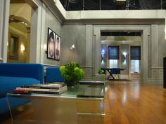 Set Decoration On The Hit Tv Show Gossip Girl By Christina Tonkin.  Interiors Of The Residences Of Chuck Bass, Waldorfs, Van Der Woodsenu0027s And  Humphreyu0027s