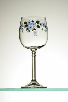 Ideas Painting Glass Canisters Hands For 2019 Decorated Wine Glasses, Hand Painted Wine Glasses, Decorated Bottles, Bottle Painting, Bottle Art, Painting On Glass, Painted Wine Bottles, Glass Bottles, Wine Glass Crafts
