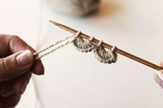 simpukkareunus Crochet Stitches, Knit Crochet, Wool Socks, Boot Cuffs, Sewing Tutorials, Diy Clothes, Mittens, Design Elements, Knitting Patterns