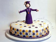 Torte mit Sponsions Figur von www.tortenfiguren.at - Graduation Cake Cake, Desserts, Food, Kuchen, Gifts, Tailgate Desserts, Pie, Dessert, Cakes