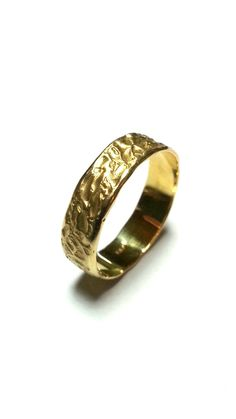 Hey, I found this really awesome Etsy listing at https://www.etsy.com/nz/listing/222963867/unique-wedding-ring-wedding-band-gold
