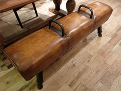 Gympaard In Interieur : Vintage pommel horse bench coaches office bench