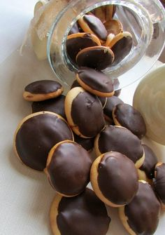 Cocina – Recetas y Consejos Chocolate Delight, Chocolate Sweets, Brownie Cookies, Yummy Cookies, Delicious Deserts, Yummy Food, Coffee Cookies, Biscuits, Coconut Cookies