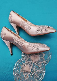 Bridal Wedding Shoes Soft White or Ivory Satin Hand Beaded Lace Embroidery High Heeled Elegant Classic Court Shoe for the Bride