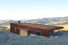 Johnston Architects have designed NEW CAELIFERA, a home located in Winthrop, a rural area of Washington.