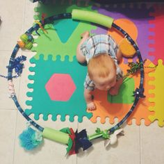 It's time to be creative! This week I am featuring a DIY sensory toy that is versatile for many ages, 2 months-1 year. Here's why moms willloveit: it's cheap, easy, engaging, un…