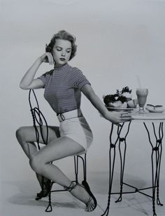 vintage everyday: A Collection of 60 Beautiful Vintage Photos of Anne Francis in… Golden Age Of Hollywood, Vintage Hollywood, Classic Hollywood, Vintage Beauty, Vintage Fashion, Vintage Style, 1940s Style, Retro Vintage, Anne Francis