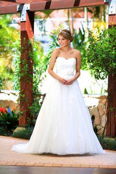 "Stunning Wedding Dress from the 2013 Collection ""Kara"". From Belladonna bridal NQ"