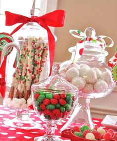 Candy Buffet Station - Kids Candy Coated Christmas Party — Celebrations at Home Christmas Sweets, Christmas Goodies, Christmas Candy, Winter Christmas, Christmas Holidays, Christmas Crafts, Christmas Decorations, Candy Decorations, Christmas Jars