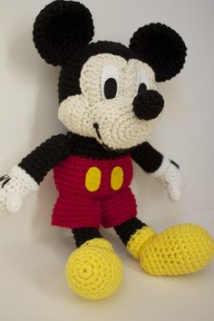 Free Mickey Mouse stuffed toy Crochet Patterns | Crocheted Mickey Mouse [Pattern Review]