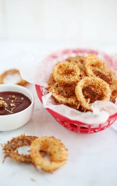 Oh, onion rings. They rank high on my favorite-summer-fast-foods-as-a-kid list. Oh yes, thats a...