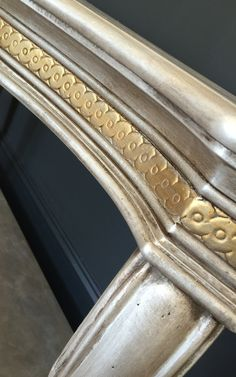 chalk paint® by annie sloan in french linen followed by pearl plaster and dark wax.  |www.creativefinishesstudio.com|