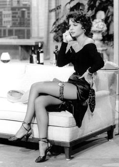 Natalie Wood.  An absolutely beauty and one of the best actresses ever!