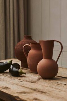 〚 Wonderful Autumn Textures by Zara Home 〛 ◾ Photos ◾Ideas◾ Design Ceramic Clay, Ceramic Pottery, Pottery Teapots, Slab Pottery, Pottery Vase, Ceramic Bowls, Terracotta, Chaise Vintage, Zara Home Collection