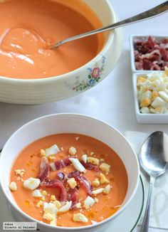Salmorejo (instead of gazpacho ; Mexican Food Recipes, Soup Recipes, Cooking Recipes, Healthy Recipes, Tapas, Food Porn, Spanish Dishes, Spanish Food, Happy Foods