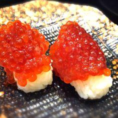 SUJIKO (Salty Salmon Roe) SUSHI \(^o^)/ My Favorite Food, Favorite Recipes, Sushi Lunch, Salmon Roe, Homemade Sushi, Best Sushi, Sushi Art, Tempura, Bento Box