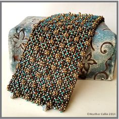 UPPER CRUST - Pondo Stitch (African Circle Stitch) beading pattern