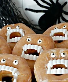 Halloween Treats: Doughnuts of Doom Easy Halloween Treats - Doughnuts with fake vampire teeth and candy eyes. Fun part idea, the kids love it!Easy Halloween Treats - Doughnuts with fake vampire teeth and candy eyes. Fun part idea, the kids love it! Halloween Desserts, Halloween Cupcakes, Dulces Halloween, Halloween Treats To Make, Halloween Food For Party, Costume Halloween, Halloween Mono, Halloween Kids, Holidays Halloween