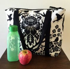 Great large insulated lunch bag pattern - definitely have to make this!